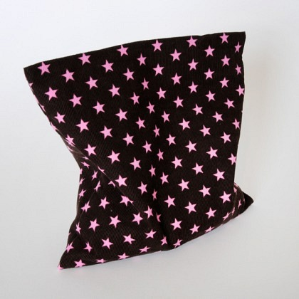 Traubenkernkissen braun Sterne pink